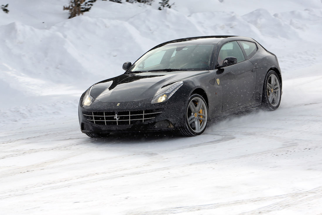 ferrari-ff-snow-test-2