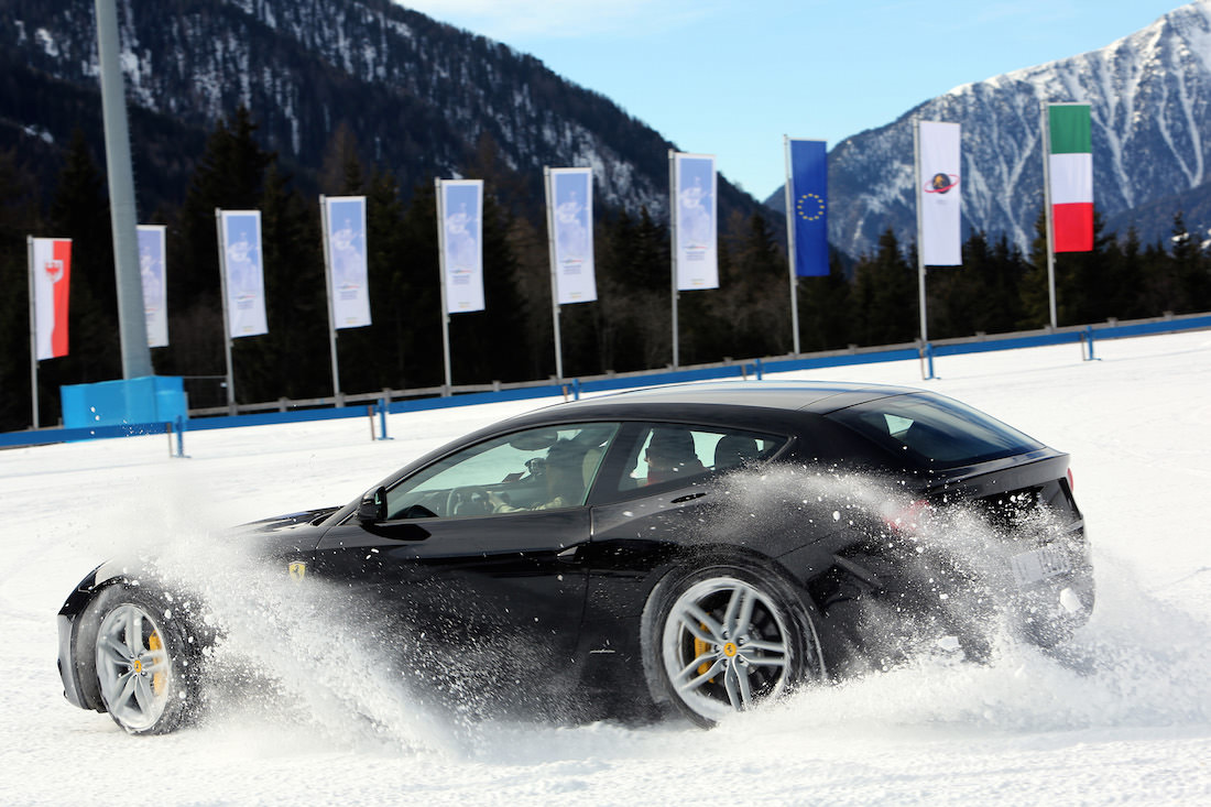 ferrari-ff-snow-test-5