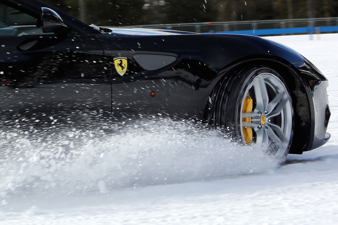 ferrari-ff-snow-test-7