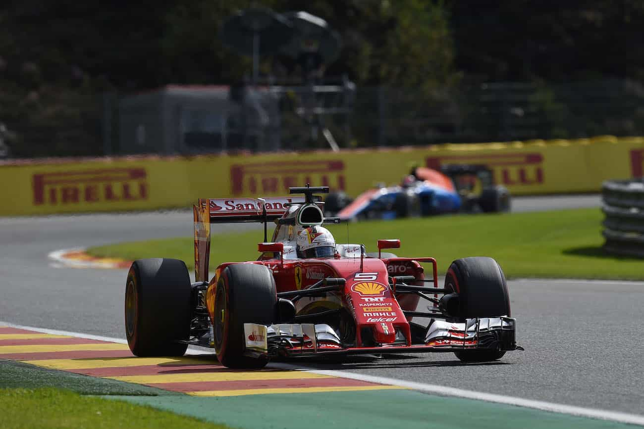 grand prix de belgique vettel et raikkonen dans le top 10 modenacars fr. Black Bedroom Furniture Sets. Home Design Ideas