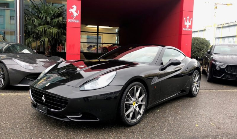 FERRARI California 4.3 V8 (Convertible)
