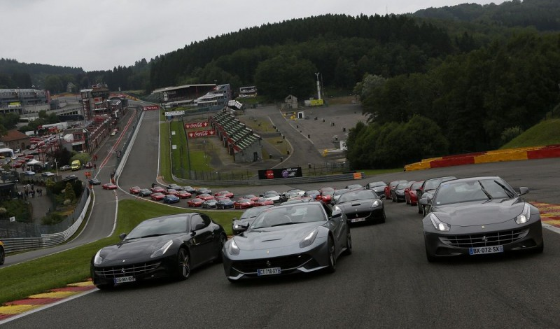 show ferrari sur le circuit spa francorchamps modenacars fr modenacars fr. Black Bedroom Furniture Sets. Home Design Ideas