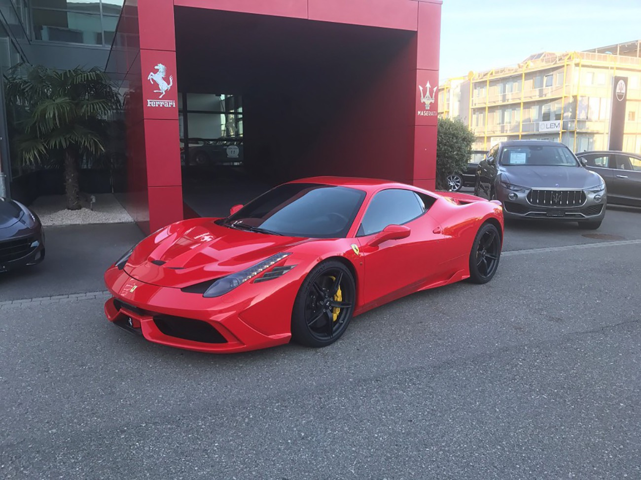 la voiture de la semaine ferrari 458 speciale 4 5 v8 coup modenacars fr modenacars fr. Black Bedroom Furniture Sets. Home Design Ideas
